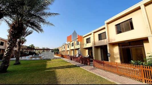 3 Bedroom Villa for Rent in Al Safa, Dubai - Beautiful 3 BR villa overlooking Pool| Located in Al Safa 2.