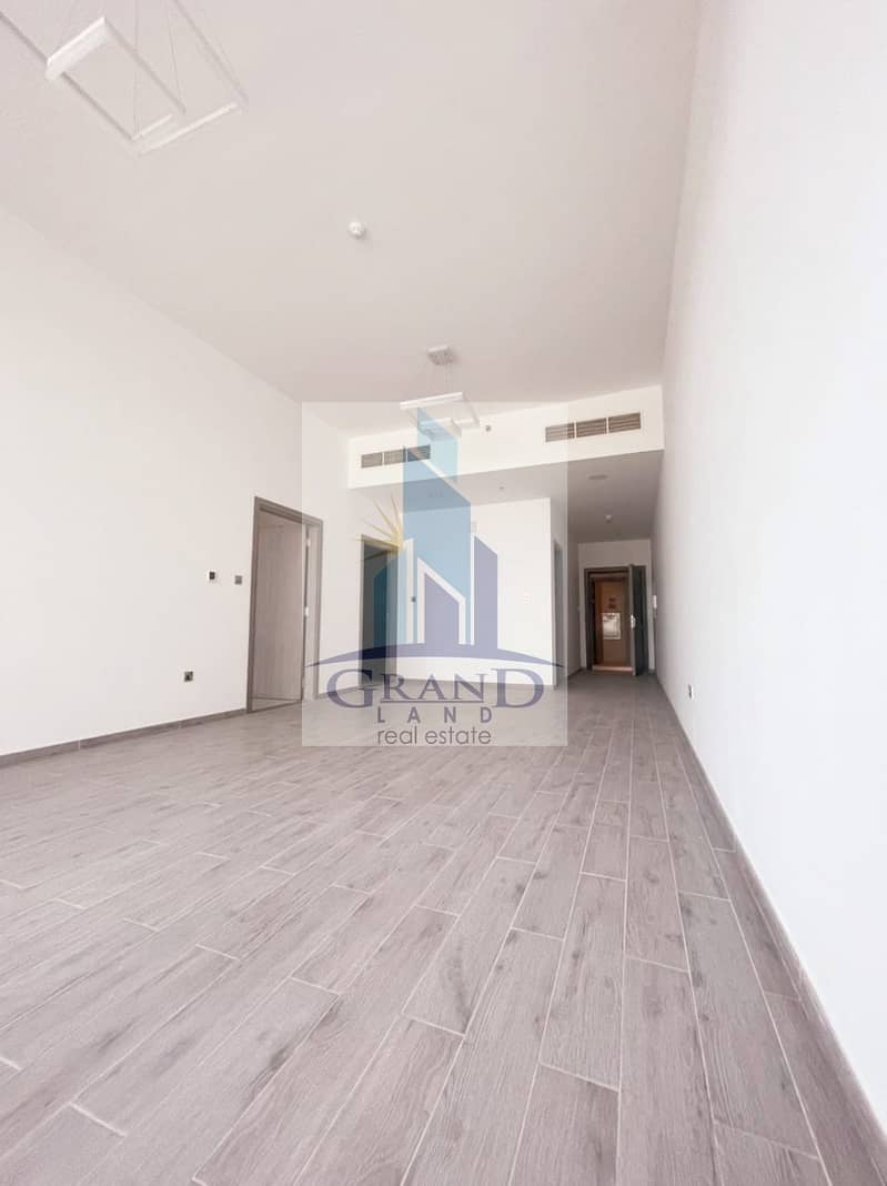 New and luxurious Building with Good Amenities