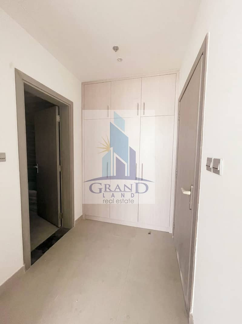 17 New and luxurious Building with Good Amenities