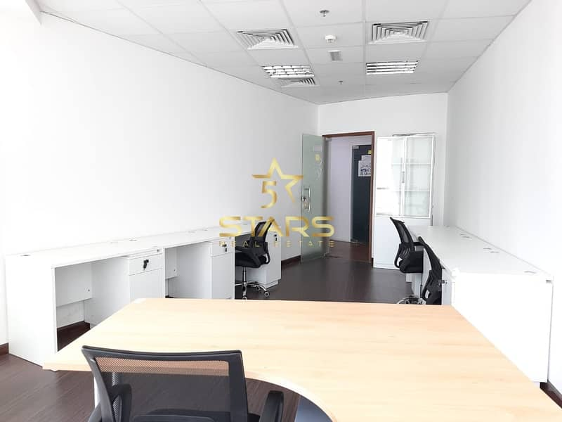 Pay 6000 AED and get 1 Desk Space | Direct from Owner | Near to M etro