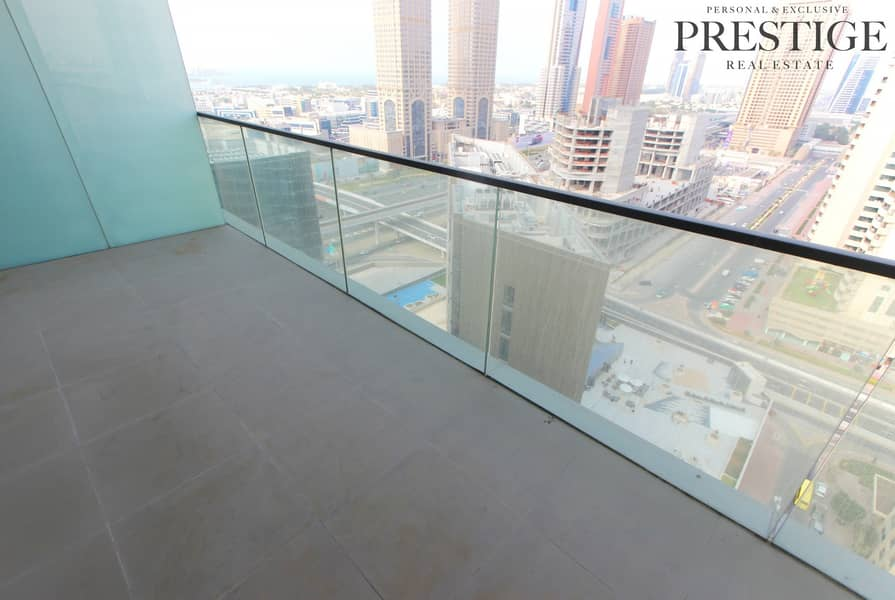 11 Onyx Tower | 03 layout | Free Month | High Floor