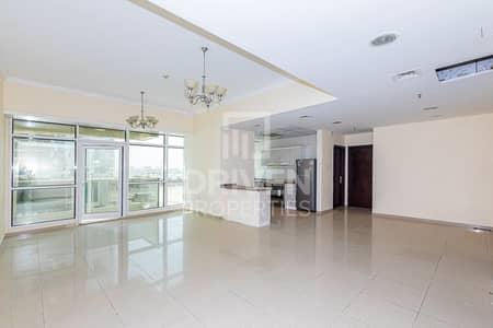 شقة 2 غرفة نوم للايجار في أبراج بحيرات الجميرا، دبي - Prime Location Apt | Sea and Marina View