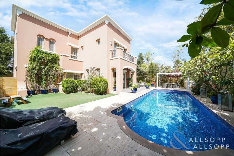 Exclusive | Upgraded 5 Bed | Private Pool