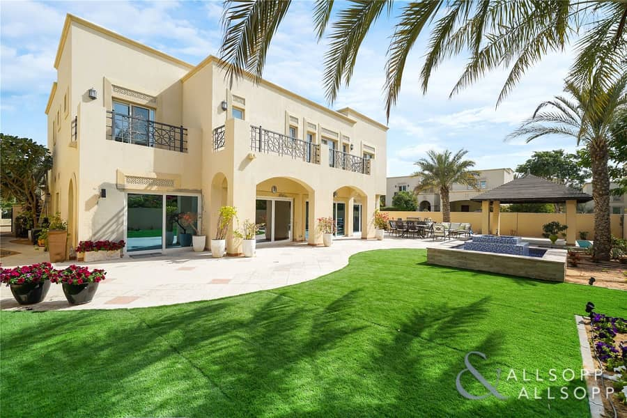 Extensively Upgraded | 6 Bedroom | Type 13