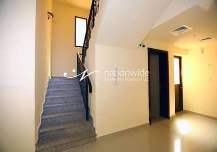 فیلا 2 غرفة نوم للايجار في قرية هيدرا، أبوظبي - Vacant! Elegant Villa In A Desirable Location