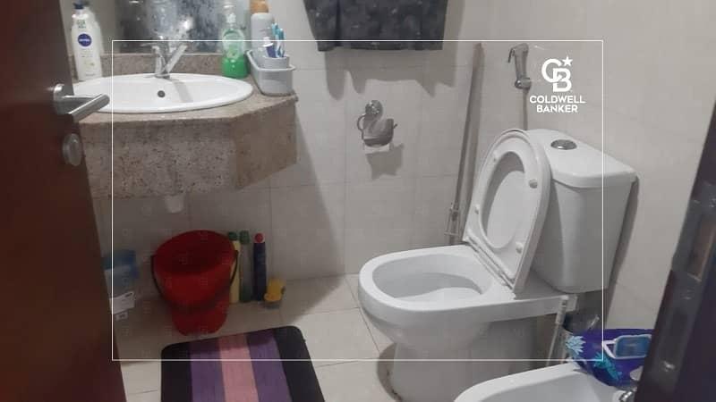 10 Corner Unit | Mid Floor | Furnished | 2 Baths