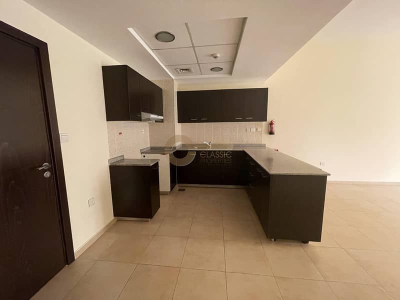 2 Hot 1bed open Kitchen Terrace for sale