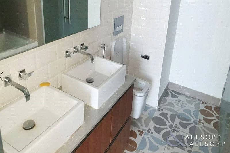 10 Luxurious 1 Bedroom | Rented | Balcony
