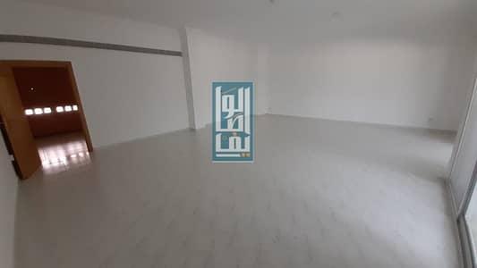 4 Bedroom Villa for Rent in Jumeirah, Dubai - 4 Bed Villa Fully Upgraded With Share Garden & Pool!