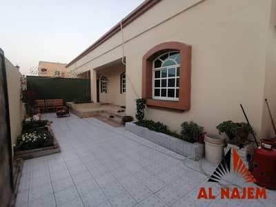 3 Bedroom Villa for Sale in Al Mowaihat, Ajman - Villa for sale in Ajman, Al Mowaihat 1 area, with electricity. . .