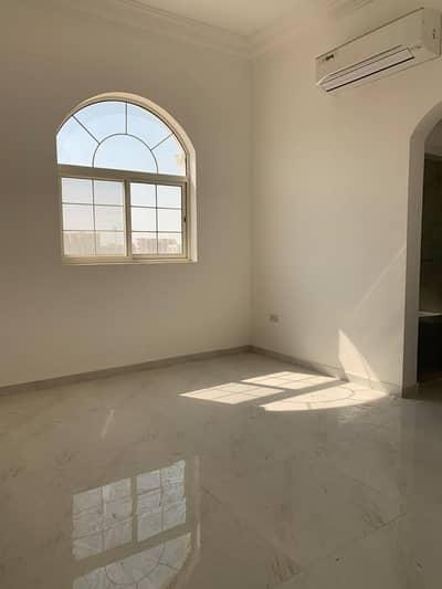 شقة 2 غرفة نوم للايجار في مدينة الفلاح، أبوظبي - شقة في مدينة الفلاح 2 غرف 40000 درهم - 5073378