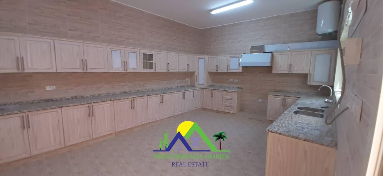 2 Brand New 5BEDROOMS Villa with Big yard in Sarooj