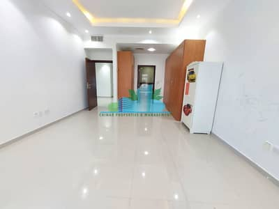 4 Bedroom Apartment for Rent in Airport Street, Abu Dhabi - MASSIVE 4 MASTERS w/ MAID-ROOM. LAUNDRY. NEAR CORNICHE
