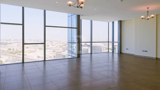 شقة 3 غرف نوم للايجار في أم رمول، دبي - Spacious 3 Bedroom + Study/ Maid's Apartment