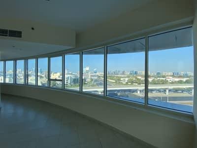 شقة 2 غرفة نوم للايجار في بر دبي، دبي - شقة في شارع خالد بن الوليد بر دبي 2 غرف 78000 درهم - 5074788