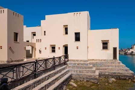 فیلا 3 غرف نوم للبيع في منتجع ذا كوف روتانا، رأس الخيمة - Luxury Beach Side Chalet with Private Pool and Garden