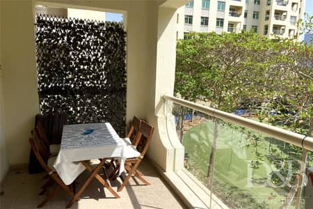 2 Bedroom Apartment for Rent in Palm Jumeirah, Dubai - Well Maintained | D Type 2 Beds | Low Floor