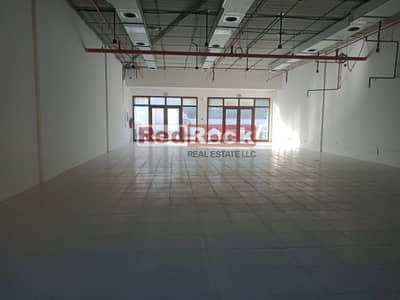 معرض تجاري  للايجار في القوز، دبي - Showroom Great Exposure on the Main Road of Al Quoz