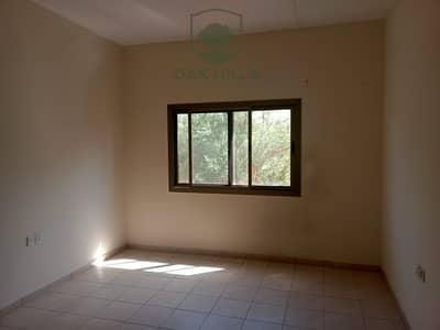 2 Bedroom Apartment for Rent in The Gardens, Dubai - Huge Balcony The Gardens Bldg Near IBN Mall