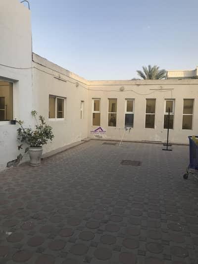 فیلا 8 غرف نوم للبيع في جميرا، دبي - Huge  well Maintain 8BR Villa for sale in Jumeirah 3 for 9.9M