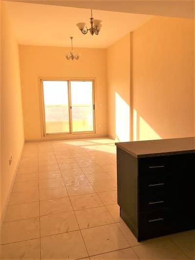 شقة 1 غرفة نوم للايجار في مدينة الإمارات، عجمان - شقة في أبراج أحلام جولدكريست مدينة الإمارات 1 غرف 15000 درهم - 5076594