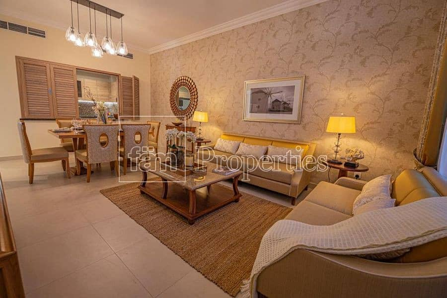 Spacious Apt in Gated Community with Mall