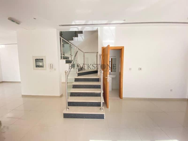 2 Spacious and Bright 4 Bedroom Villa |  Big plot | Vacant