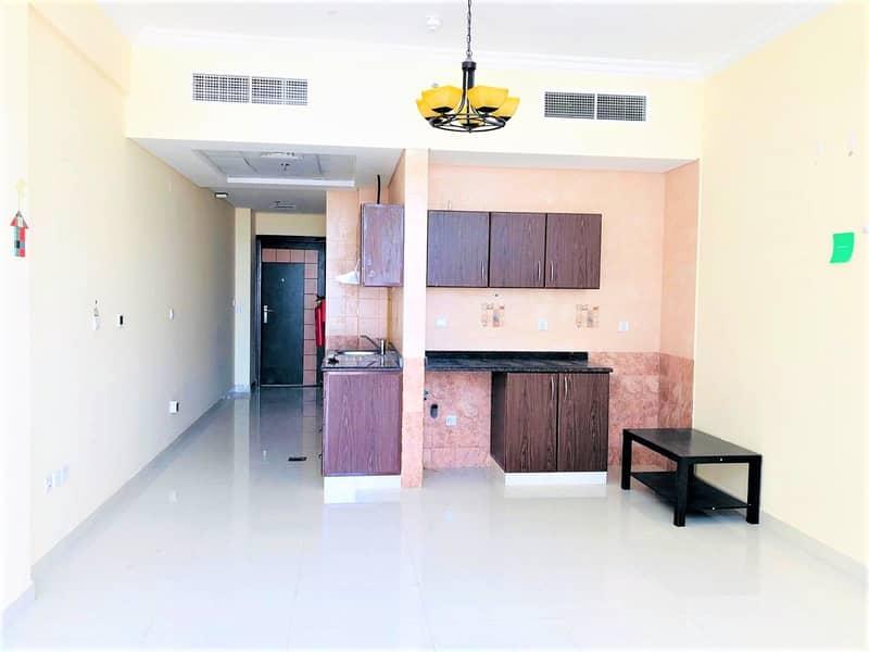 شقة في ورسان 4 الورسان 21000 درهم - 5004947