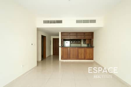 1 Bedroom Flat for Rent in The Views, Dubai - Large Kitchen | Chiller Free | Vibrant Community