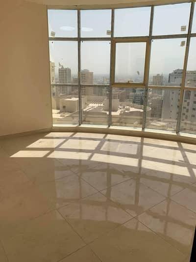 شقة 2 غرفة نوم للايجار في المجاز، الشارقة - غرفتين وضالة للايجار في منطقة المجاز 2 _ أول ساكن مع موقف مجاناً وشهر مجاناً
