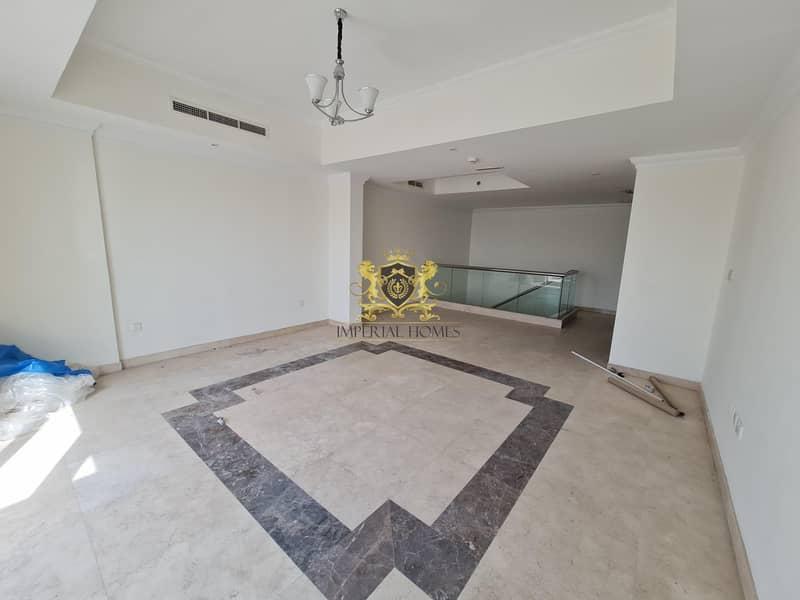 Duplex   3 Bed +M   3000sqft   @99k