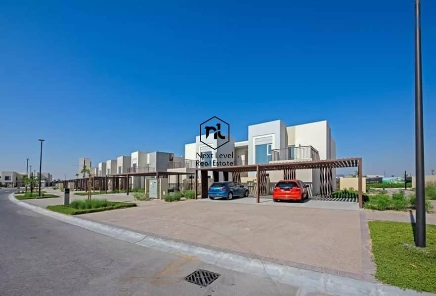 2 Brand New / Luxury Townhouse / Good Location