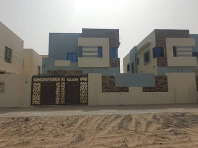 6 Bedroom Villa for Sale in Al Rawda, Ajman - Own a lifetime villa for you and your children without downpayment with the best banking facilities, super deluxe finishing, elegant European design in Al Rawda 2