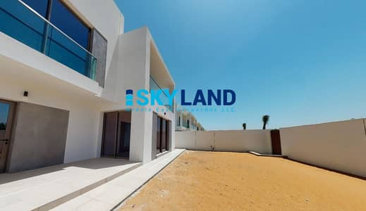 3 Bedroom Villa for Sale in Yas Island, Abu Dhabi - Luxury Modern 3 Beds in Big Plot ! Prime Location!