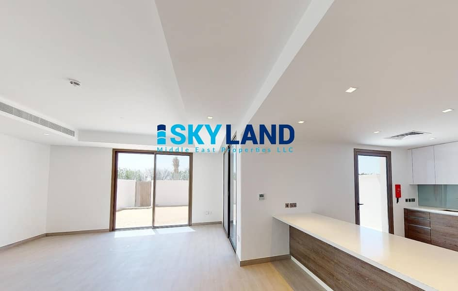 2 Luxury Modern 3 Beds in Big Plot ! Prime Location!