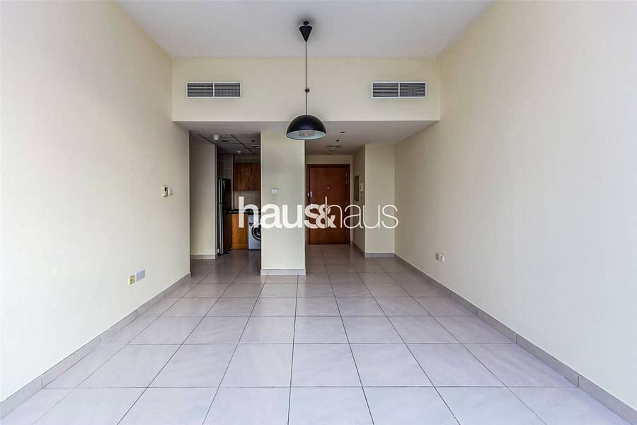 10 Vacant On Transfer | High Floor | Great Location