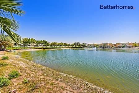 فیلا 5 غرف نوم للايجار في البحيرات، دبي - Exclusive Landscaped Garden  Fully Upgraded Option