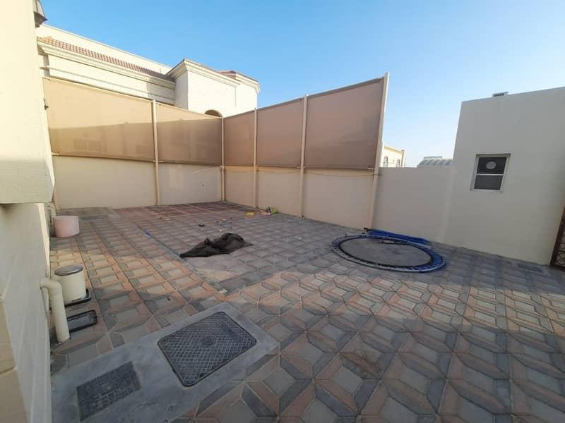 2 new flat three bedrooms + majlis - private entrance