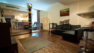 Studio, Spacious- Prime Location, With Reserved Parking