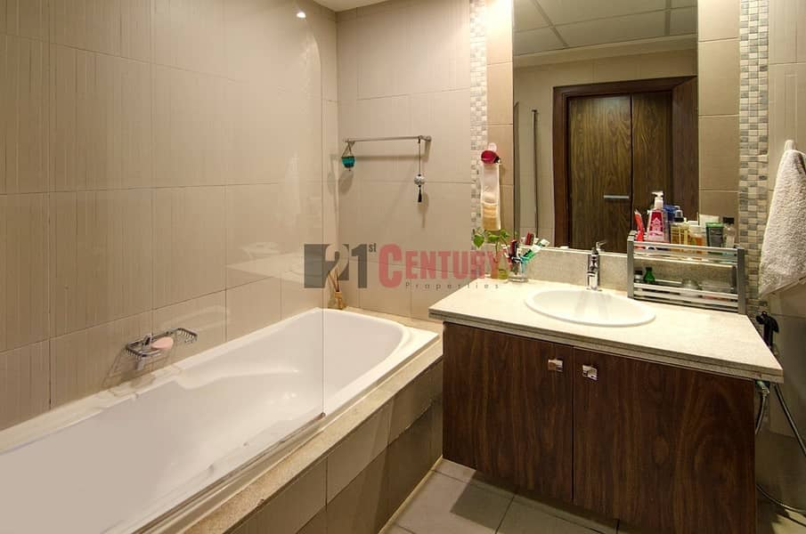 7 Lovely 2 BR + Laundry SZR View Executive Towers