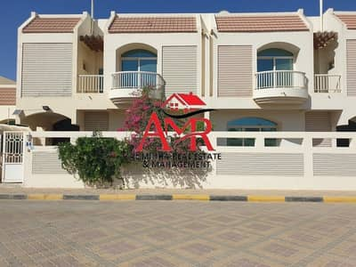4 Bedroom Villa for Rent in Al Marakhaniya, Al Ain - Roomy Villa in a Community Compound with Private Park