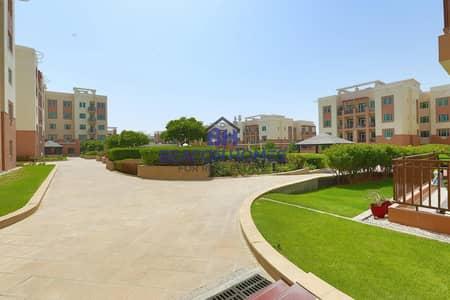 شقة 1 غرفة نوم للايجار في الغدیر، أبوظبي - Elegant 1 BR with W/B on Great Location..