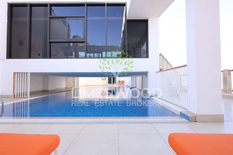 14 2 Bed Duplex apartment| Upgraded kitchen| Good location