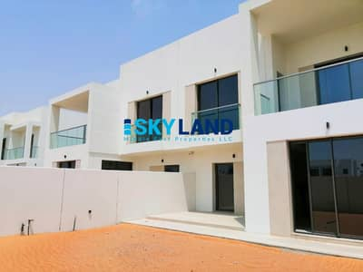 3 Bedroom Villa for Sale in Yas Island, Abu Dhabi - Large Plot | Prime Location | Luxury 3Bed | Big Yard