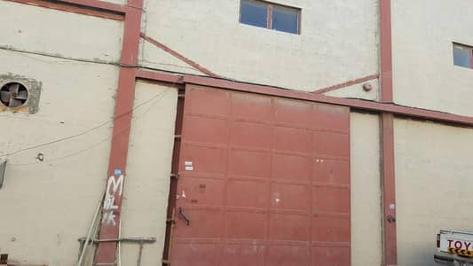 مستودع  للايجار في أم رمول، دبي - مستودع في أم رمول 72150 درهم - 5082207