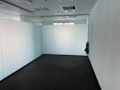 Office for Rent in Business Bay, Dubai - Fully Fitted | Bath + Pantry | canal view | Near Metro