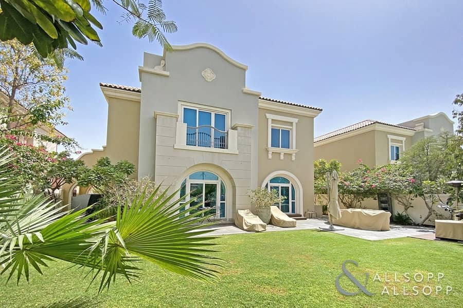 Exclusive | Upgraded C1 5 Beds | Golf View