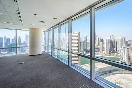 Floor for Rent in Business Bay, Dubai - 29 Parking | Fitted Office | Pay in 12 Cheques