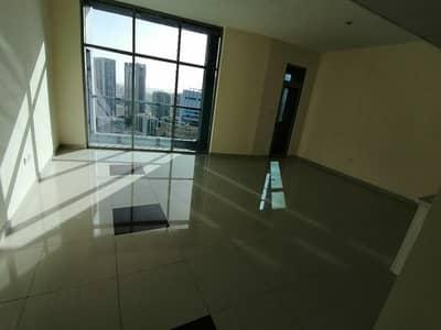 شقة 3 غرف نوم للايجار في دبي مارينا، دبي - Marina , 3 b/r with chiller free , 4 cheques , balcony , high floor near tram station and jbr beach