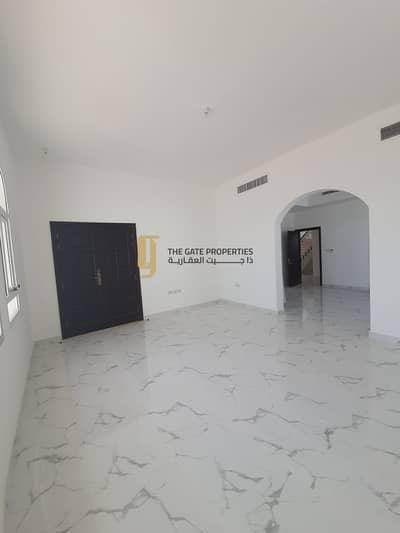 فیلا 6 غرف نوم للايجار في جنوب الشامخة، أبوظبي - Bright and Big Villa in Al Shamkha South For Rent